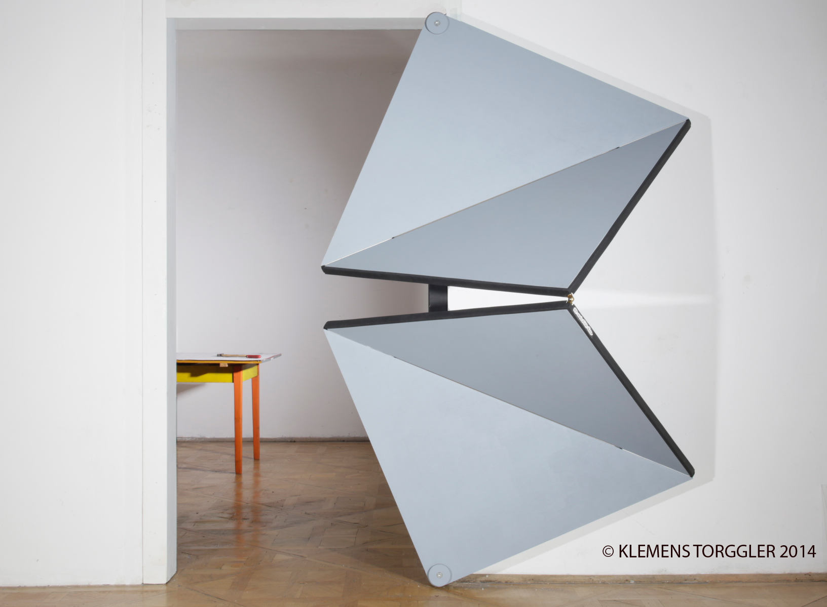Triangle Folding Doors : Gt klemens torggler`s doors and paintings